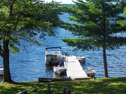 Waterfront lodging in Maine